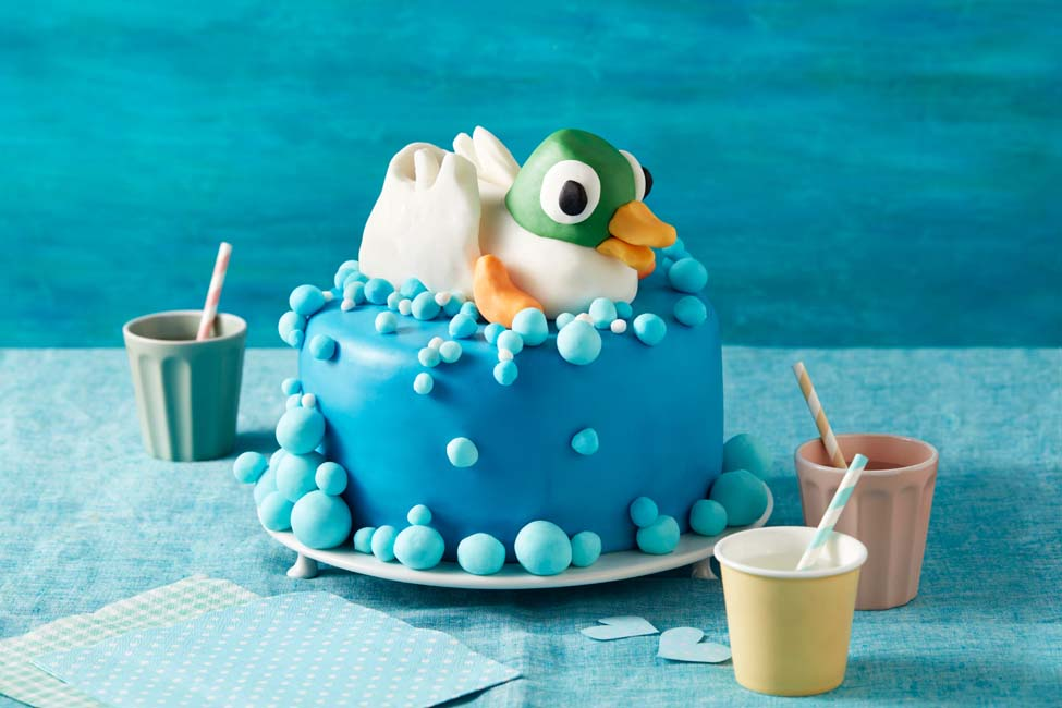 Sarah and Duck Bubble Birthday Cake